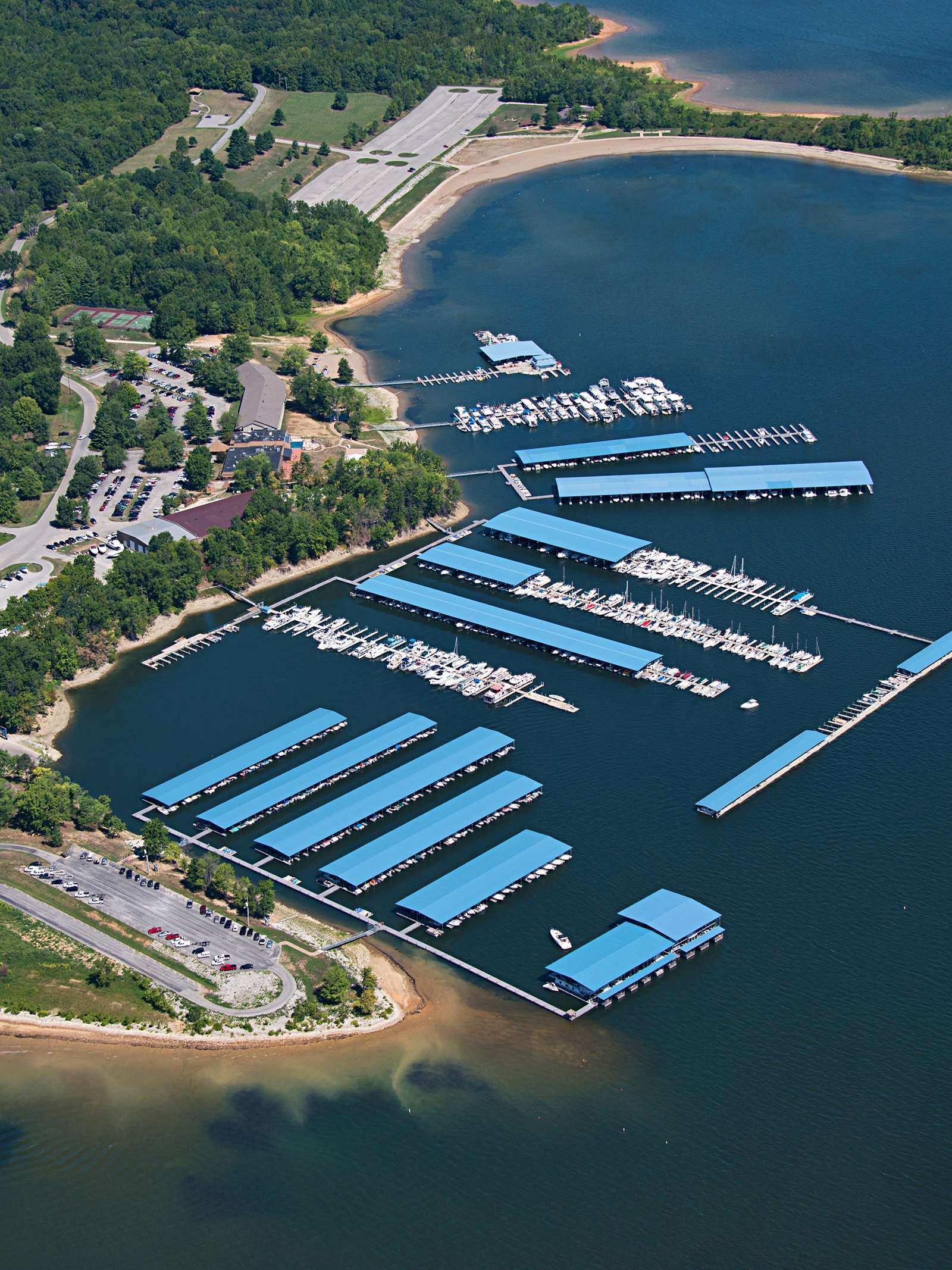 Fourwinds Lakeside Inn & Marina